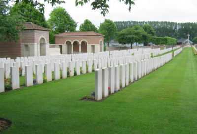 Daours Communal Cemetery Extension.