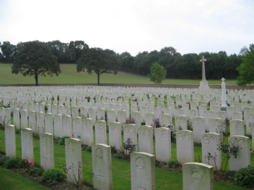 Heilly Station Cemetery, Mericourt-Labbe. V. A. 14.