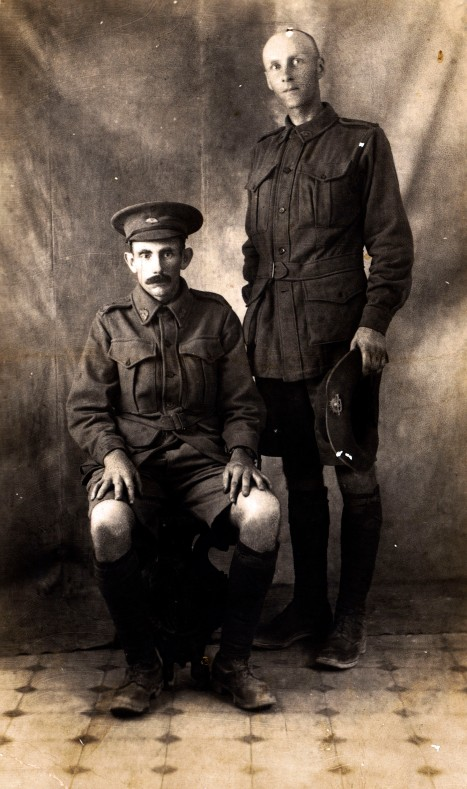 Percy Smedley Draper seated with Private Royal Mackey. Photo taken,  June 1915.